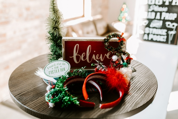 Cozy Chicago Christmas Wedding Inspiration (24)