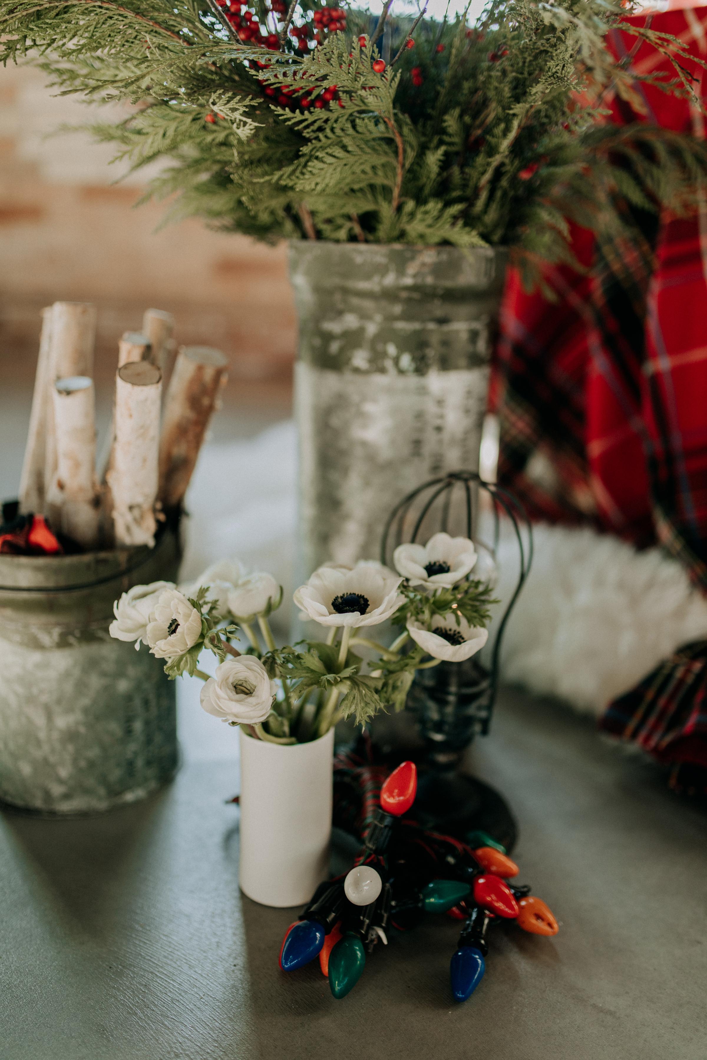 Cozy Chicago Christmas Wedding Inspiration (33)