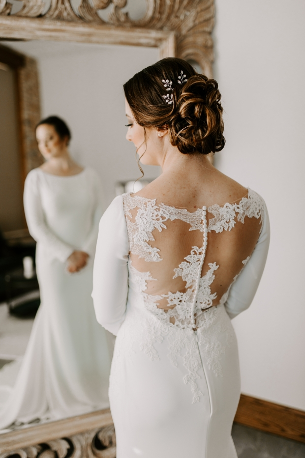 Cozy Chicago Christmas Wedding Inspiration (38)