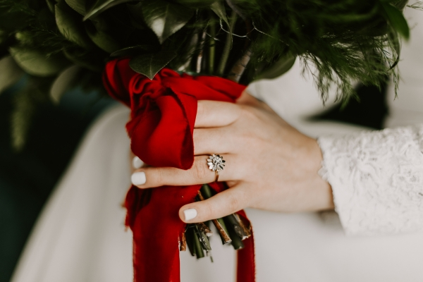 Cozy Chicago Christmas Wedding Inspiration (42)