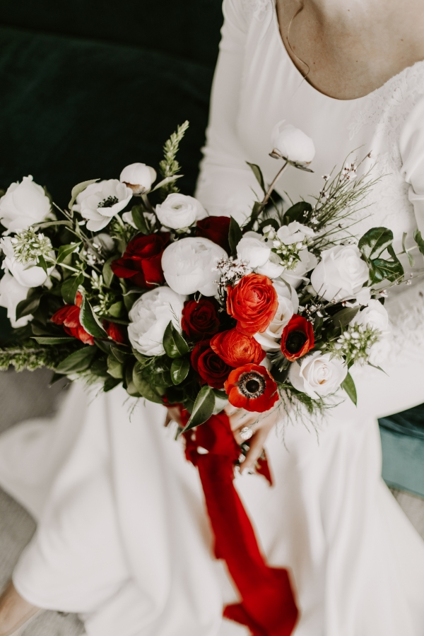 Cozy Chicago Christmas Wedding Inspiration (43)