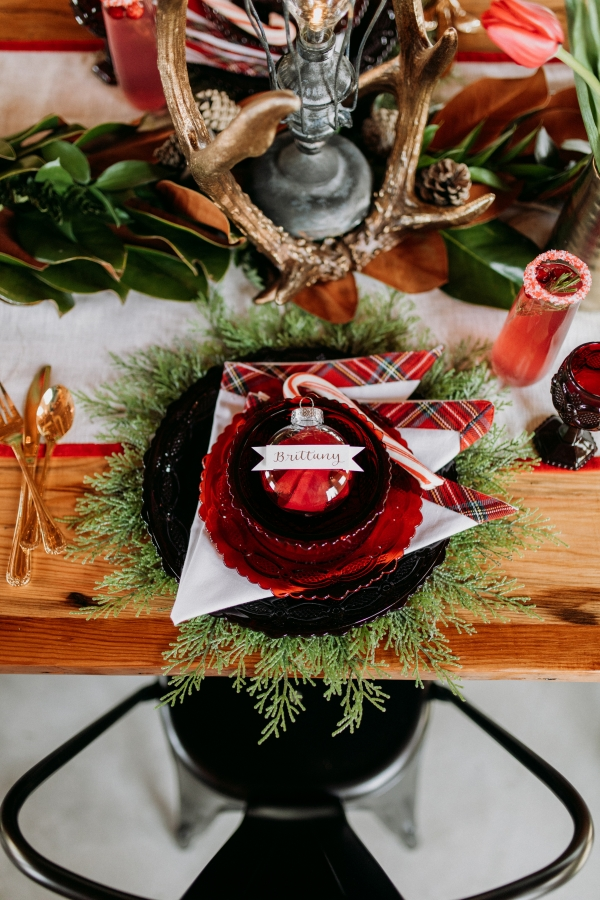 Cozy Chicago Christmas Wedding Inspiration (5)