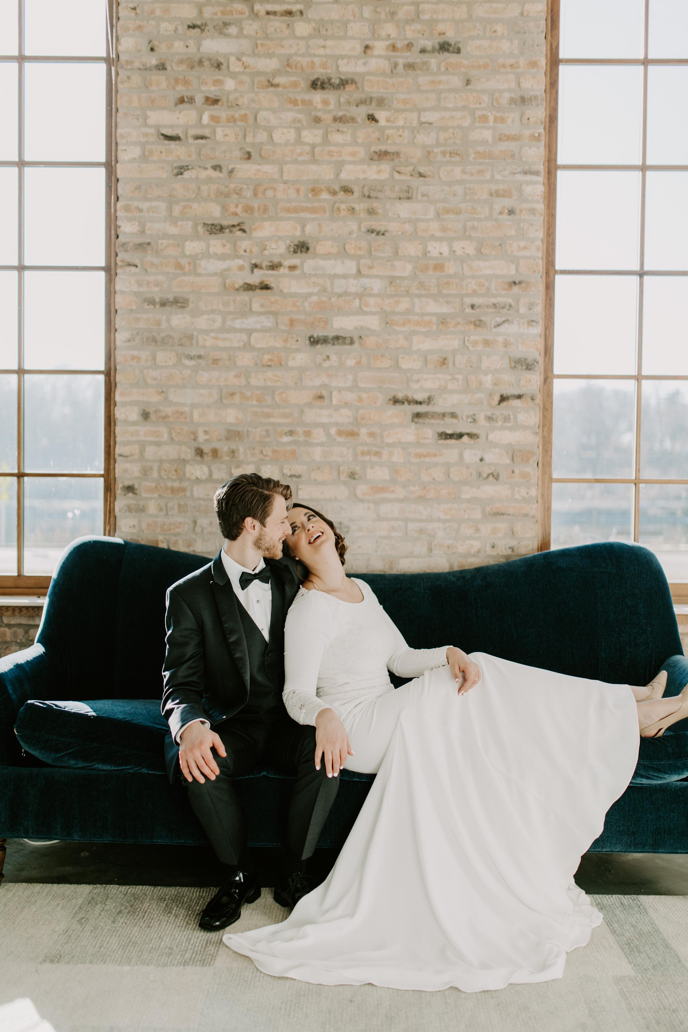 Cozy Chicago Christmas Wedding Inspiration (51)