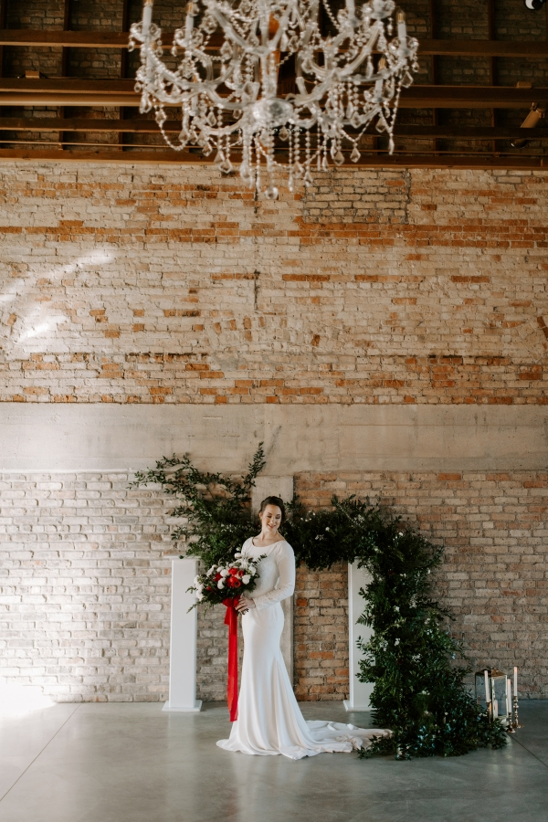 Cozy Chicago Christmas Wedding Inspiration (57)