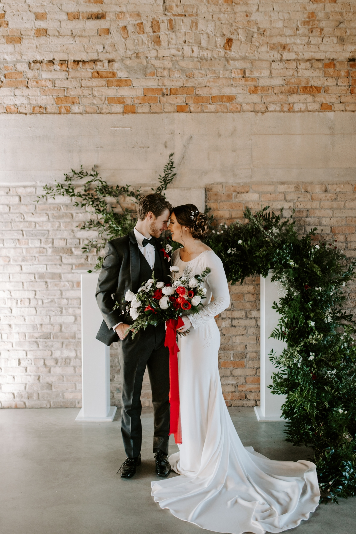 49585f9704c Cozy Chicago Christmas Wedding Inspiration (58) - Lakeshore in Love