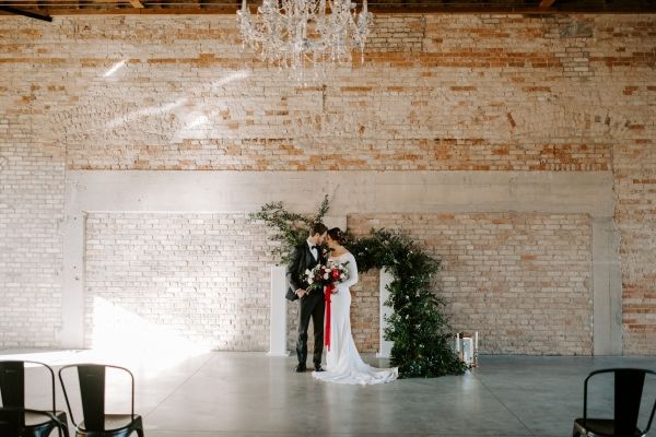 Cozy Chicago Christmas Wedding Inspiration (59)
