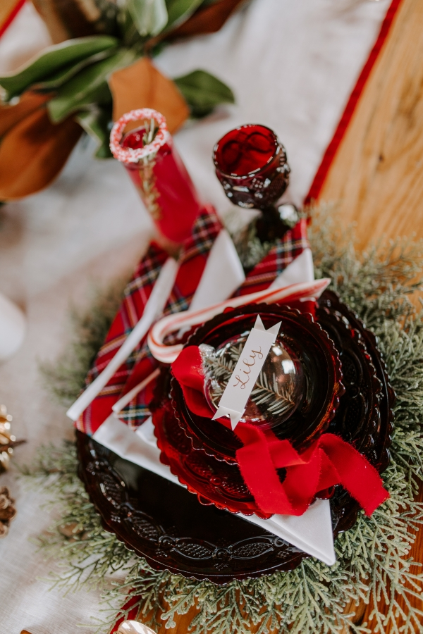 Cozy Chicago Christmas Wedding Inspiration (6)