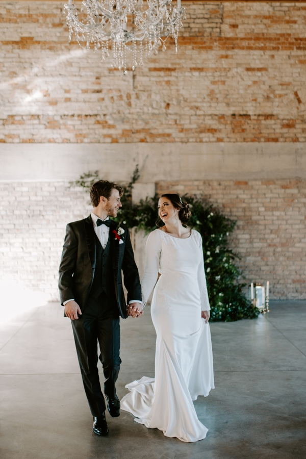 Cozy Chicago Christmas Wedding Inspiration (65)