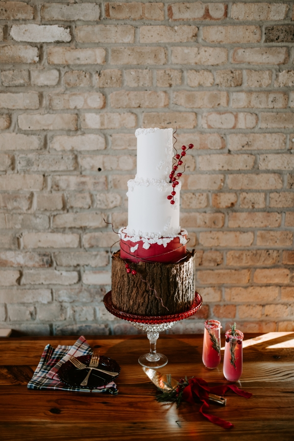 Cozy Chicago Christmas Wedding Inspiration (66)