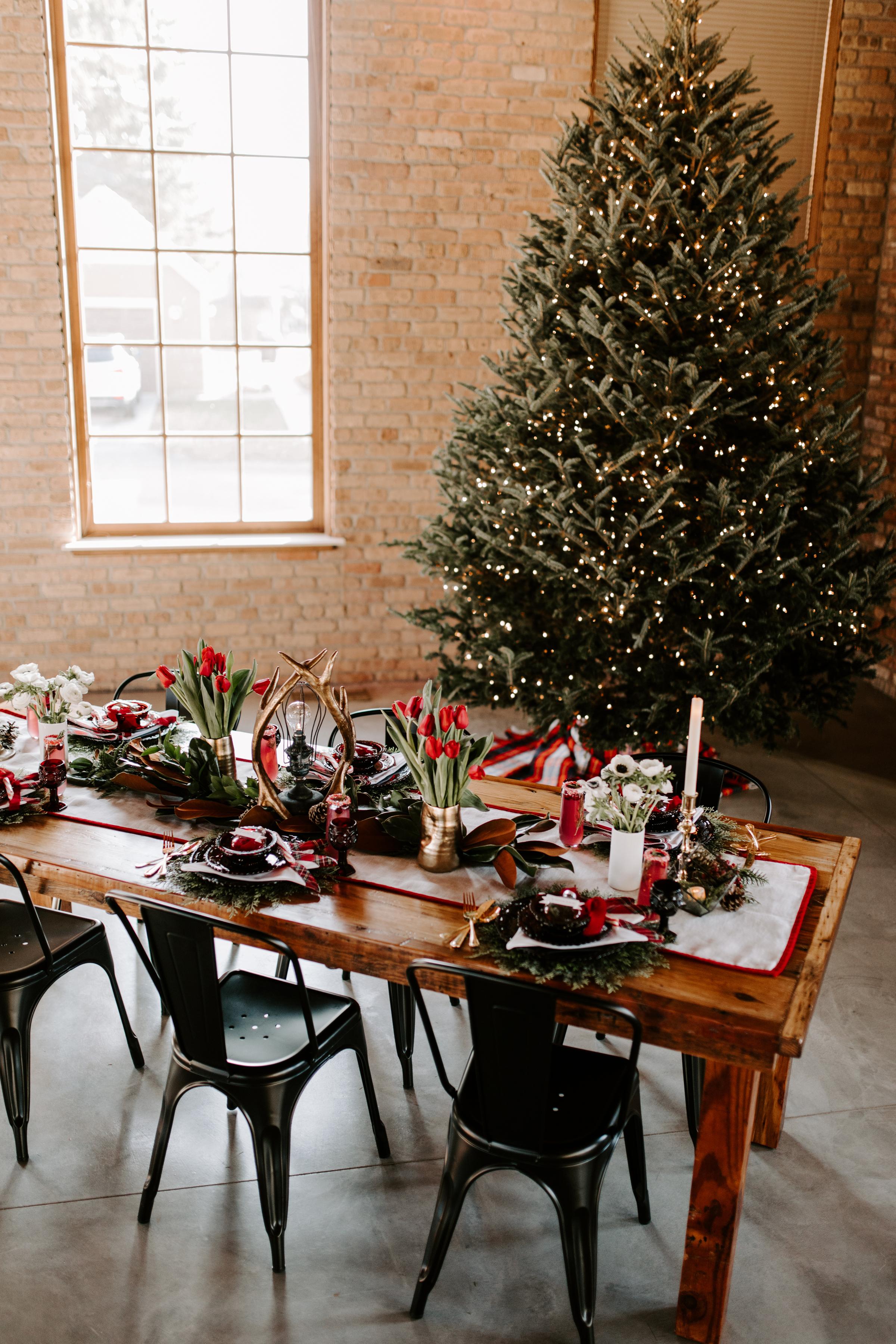 Cozy Chicago Christmas Wedding Inspiration (7)
