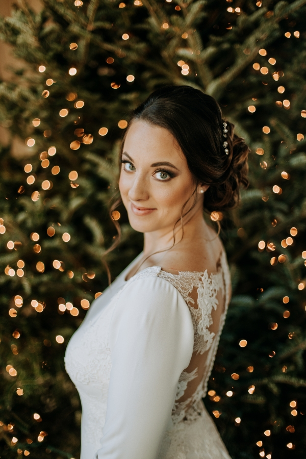Cozy Chicago Christmas Wedding Inspiration (71)