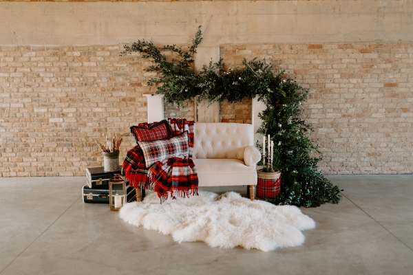 Cozy Chicago Christmas Wedding Inspiration (93)