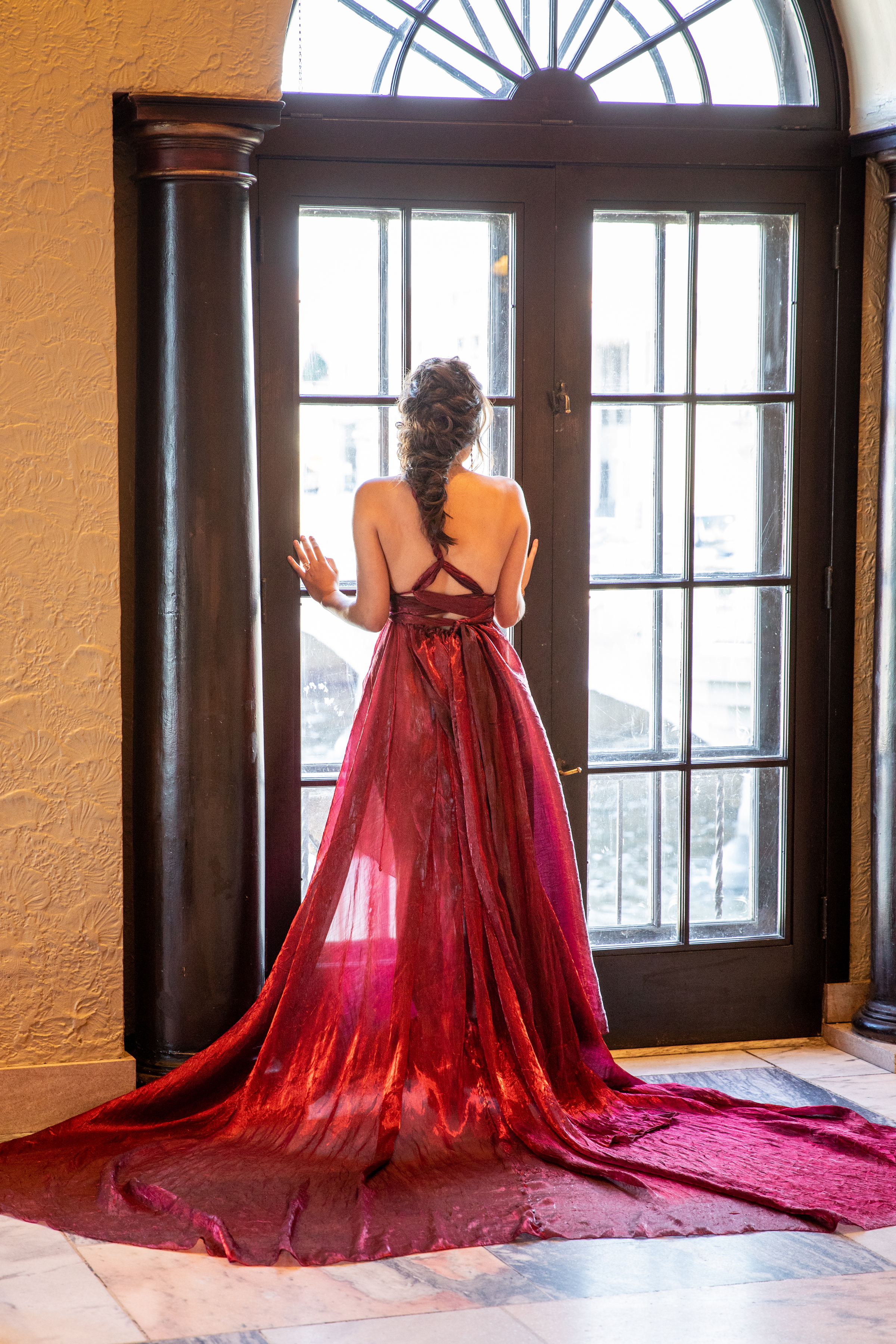 Dramatic Black and Red Wedding Inspiration at Hotel Baker in St Charles (9)