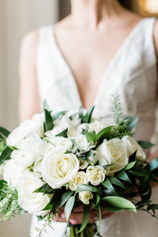 Modern Black White and Green Wedding Inspiration at the Chicago History Museum (26)