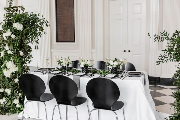 Modern Black White and Green Wedding Inspiration at the Chicago History Museum (55)