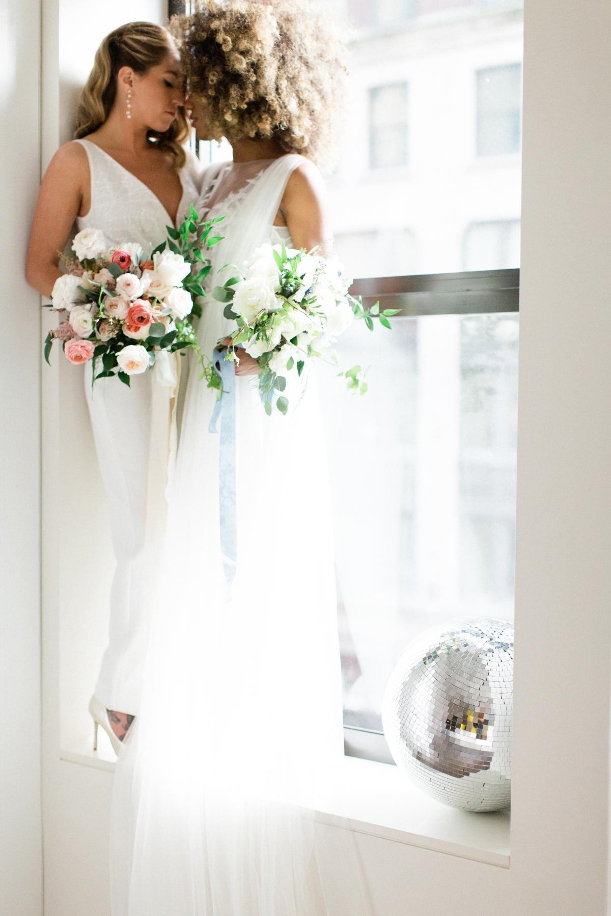 Romantic Modern Chicago Wedding Inspiration Two Brides 8