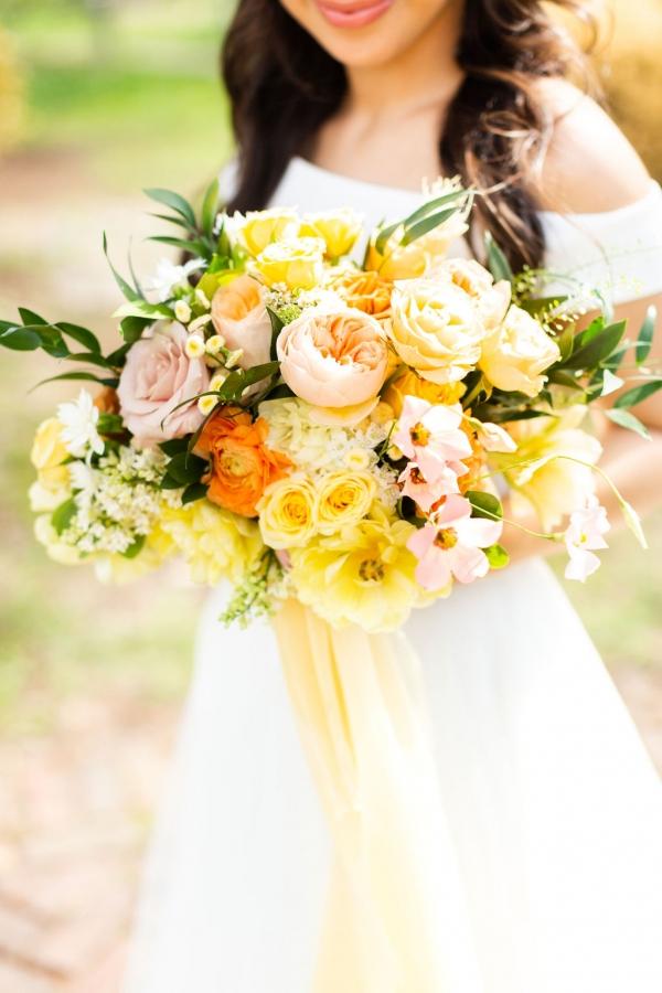 summer-yellow-greenhouse-wedding-chicago-cheney-mansion-58