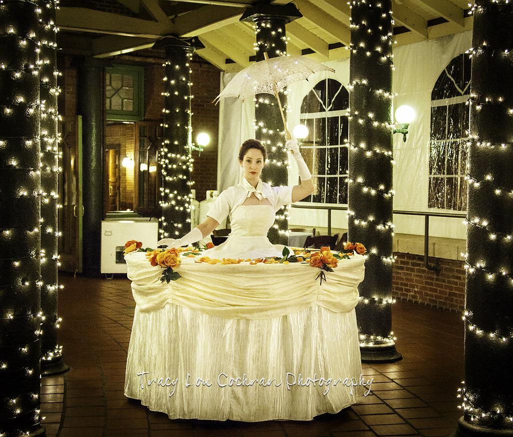 Base White Table Lady