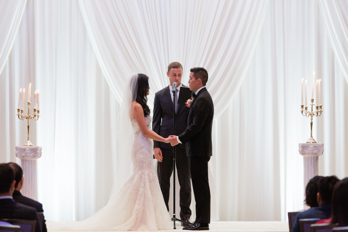 Chicago Wedding ceremony at Hyatt Regency O'Hare