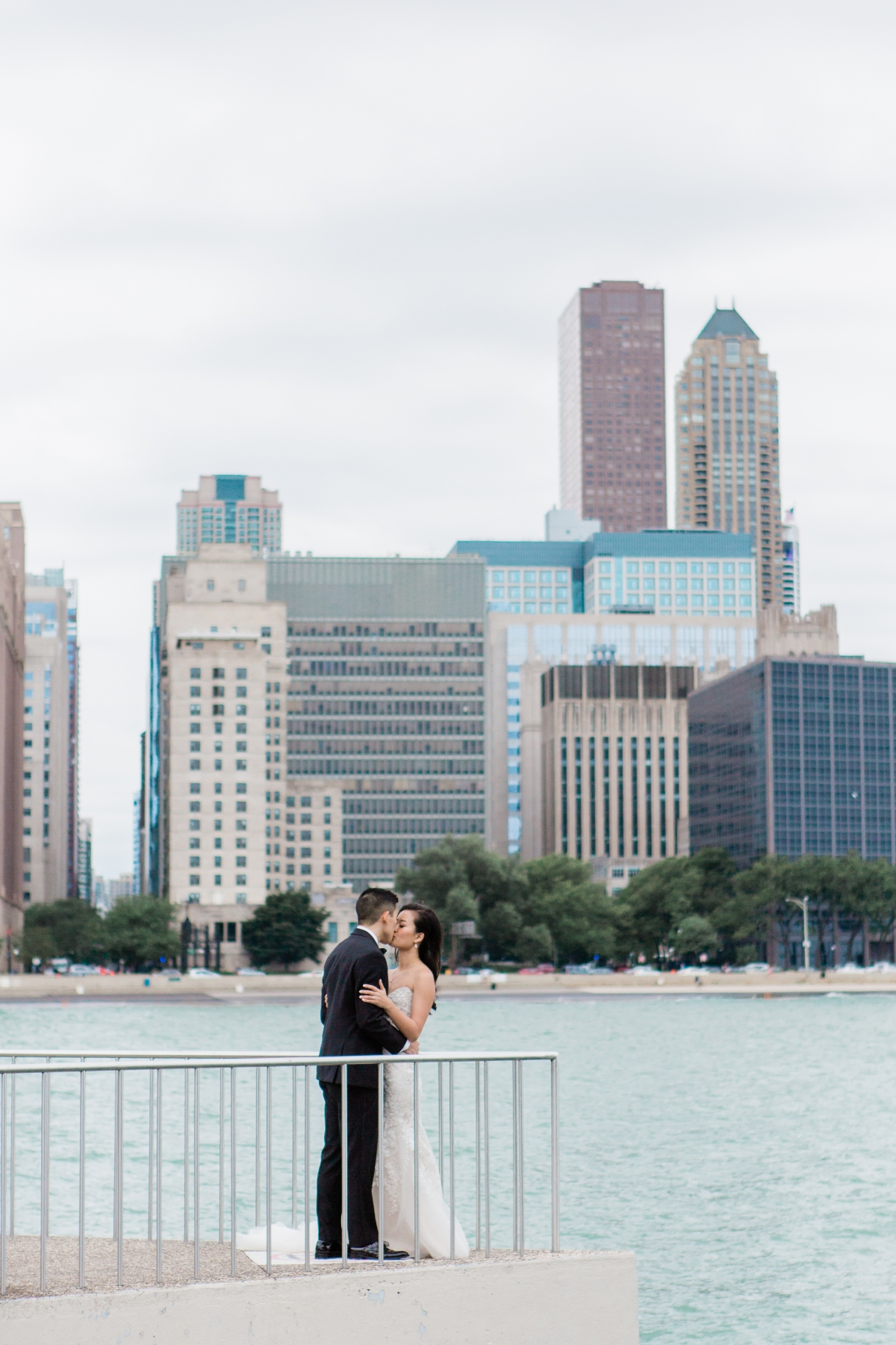 Bride and Groom Chicago Skyline Olive Park