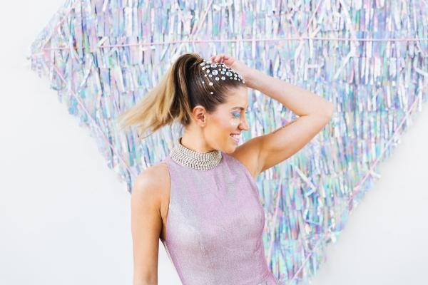 Colorful Iridescent Futuristic Chicago Wedding Inspiration (36)