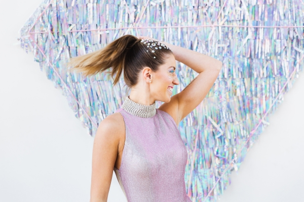 Colorful Iridescent Futuristic Chicago Wedding Inspiration (37)