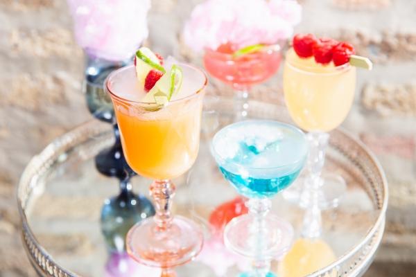 Colorful Iridescent Futuristic Chicago Wedding Inspiration (5)