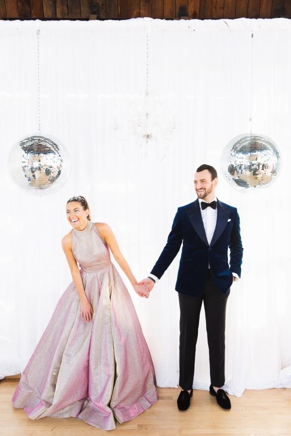 Colorful Iridescent Futuristic Chicago Wedding Inspiration (59)