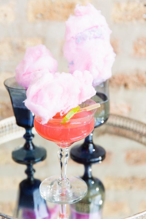 Colorful Iridescent Futuristic Chicago Wedding Inspiration (8)