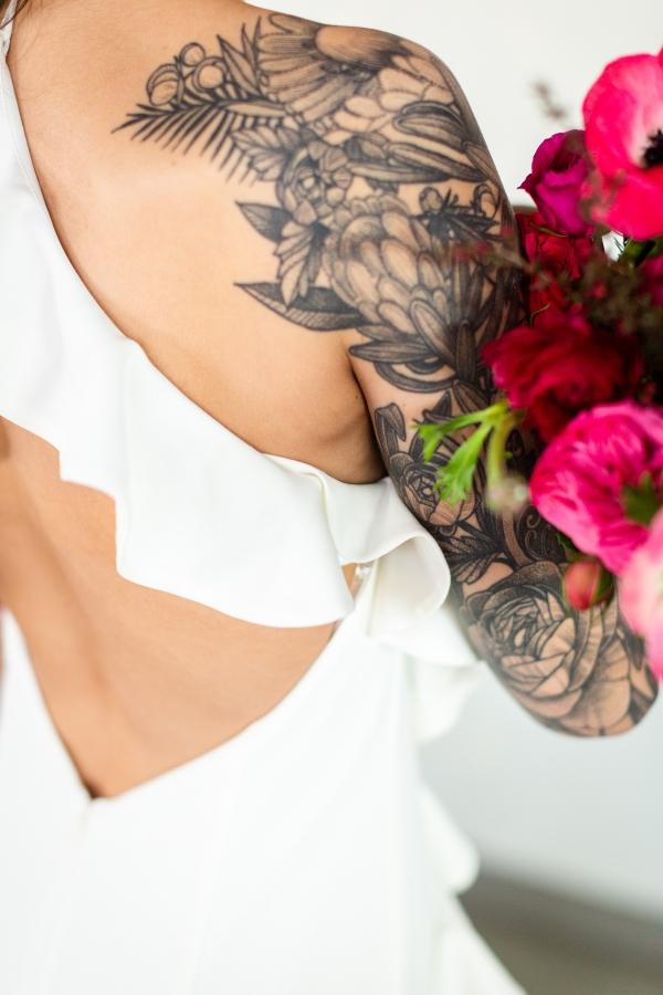 Edgy Romance Chicago Wedding Inspiration Alexandra Lee Photography Lakeshore in Love (200)
