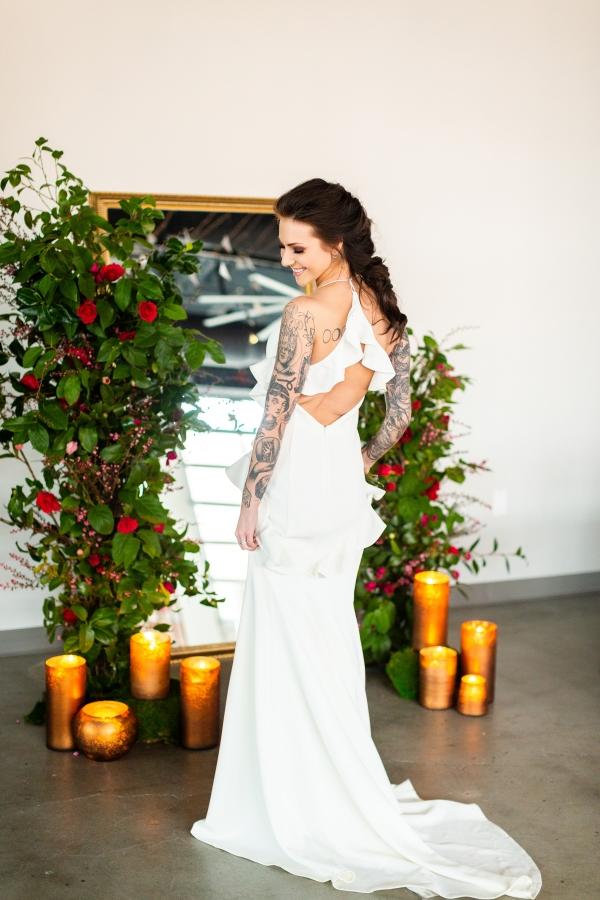 Edgy Romance Chicago Wedding Inspiration Alexandra Lee Photography Lakeshore in Love (295)