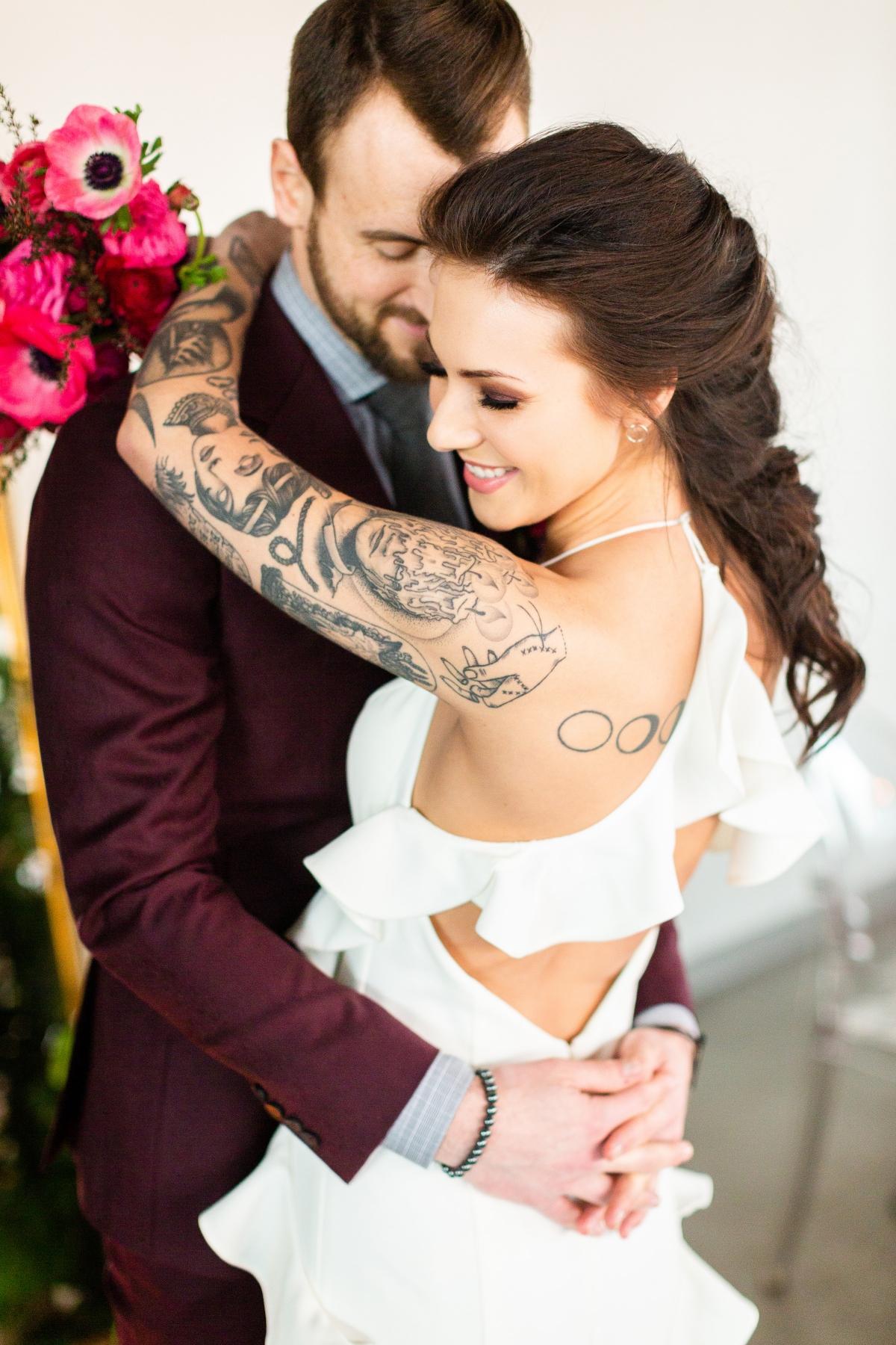 Edgy Romance Chicago Wedding Inspiration Alexandra Lee Photography Lakeshore in Love 298