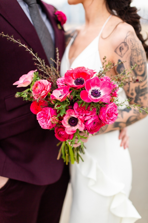Edgy Romance Chicago Wedding Inspiration Alexandra Lee Photography Lakeshore in Love (313)