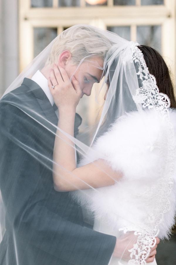 Fuchsia and Plum Chicago Jewel Tone Wedding Inspiration Lisa Hufford (33)