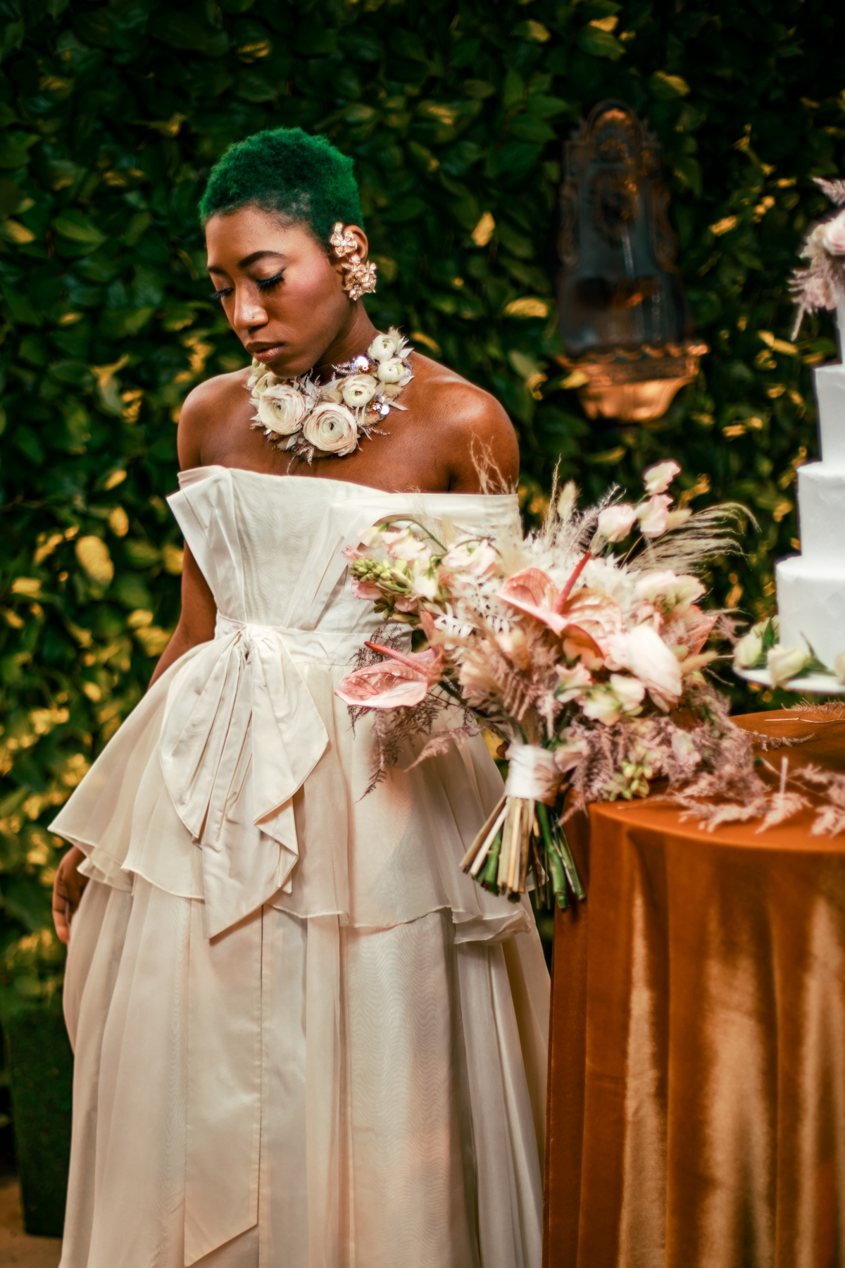 Lush Fantasy Chicago Wedding Inspiration Lakeshore in Love Tuan B 1