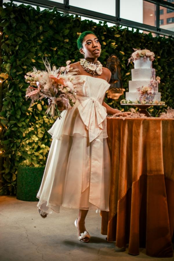 Lush Fantasy Chicago Wedding Inspiration Lakeshore in Love Tuan B (2)