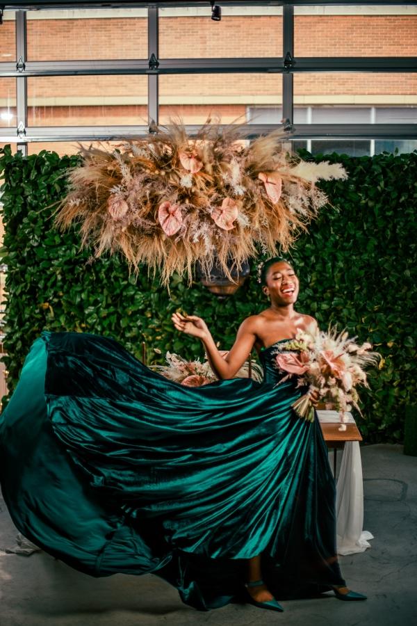 Lush Fantasy Chicago Wedding Inspiration Lakeshore in Love Tuan B (26)