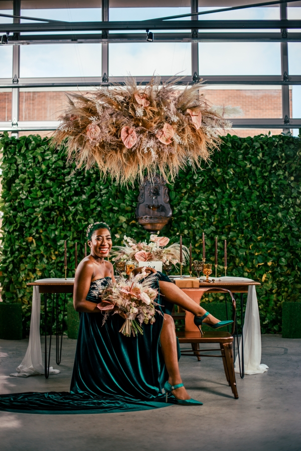 Lush Fantasy Chicago Wedding Inspiration Lakeshore in Love Tuan B (29)