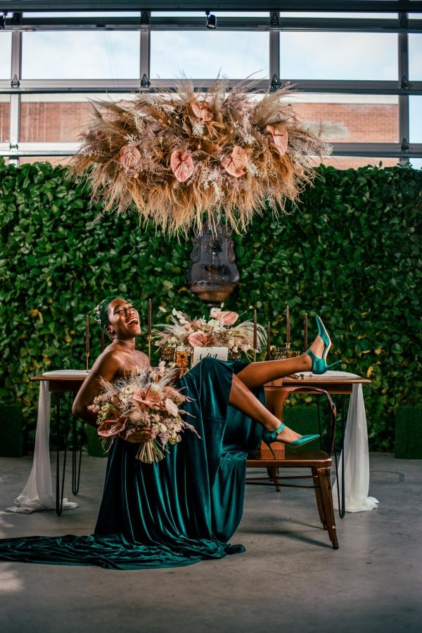 Lush Fantasy Chicago Wedding Inspiration Lakeshore in Love Tuan B (30)