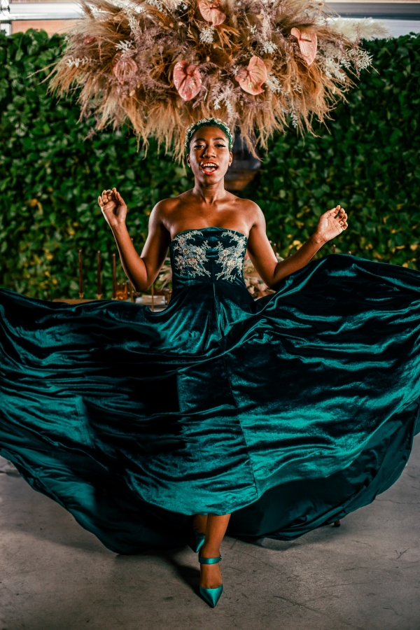 Lush Fantasy Chicago Wedding Inspiration Lakeshore in Love Tuan B (33)