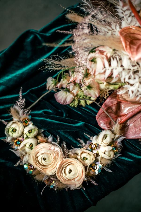 Lush Fantasy Chicago Wedding Inspiration Lakeshore in Love Tuan B (37)