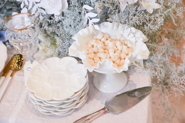 Ombre Blue Chicago Loft Wedding Inspiration (13)
