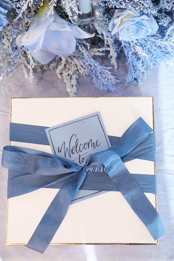 Ombre Blue Chicago Loft Wedding Inspiration (36)