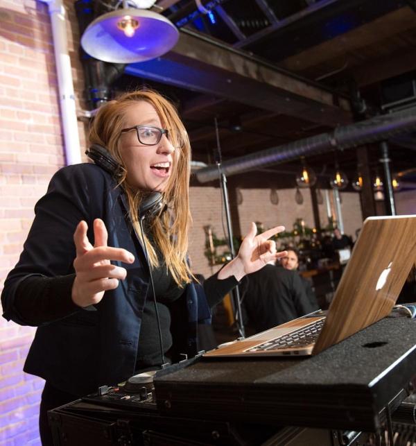 DJ Sara