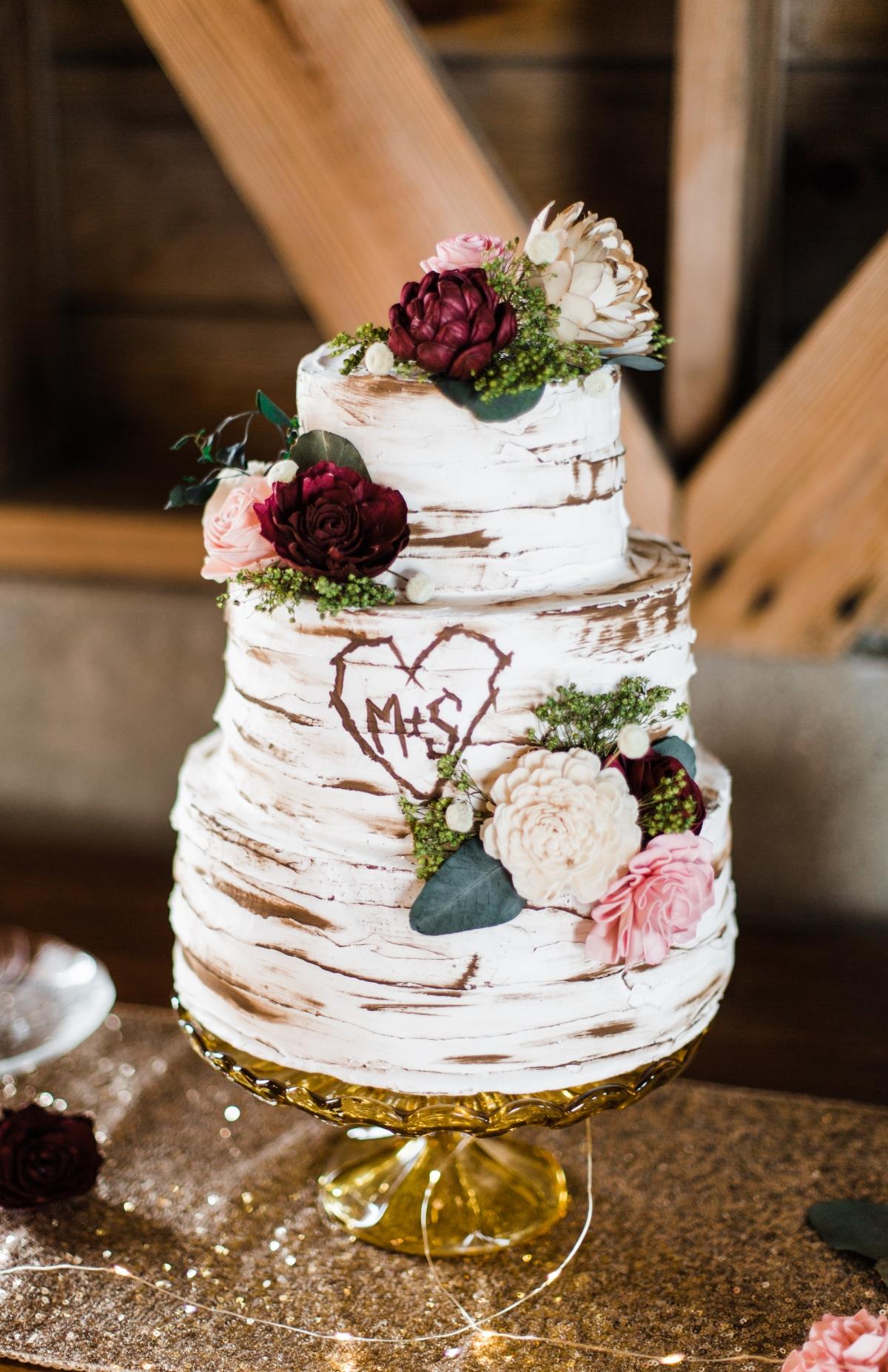 Wedding Cake with Wood Theme