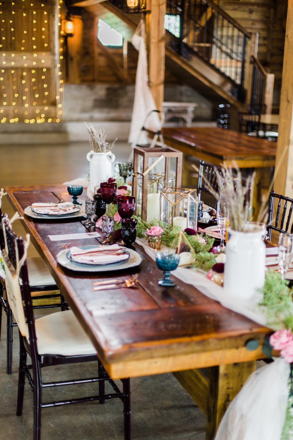 Barn Wedding Table Chicago Grace Rios