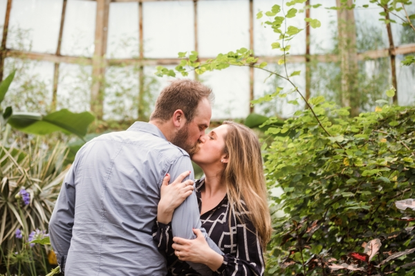Lincoln Park Conservatory Engagement Session (21)