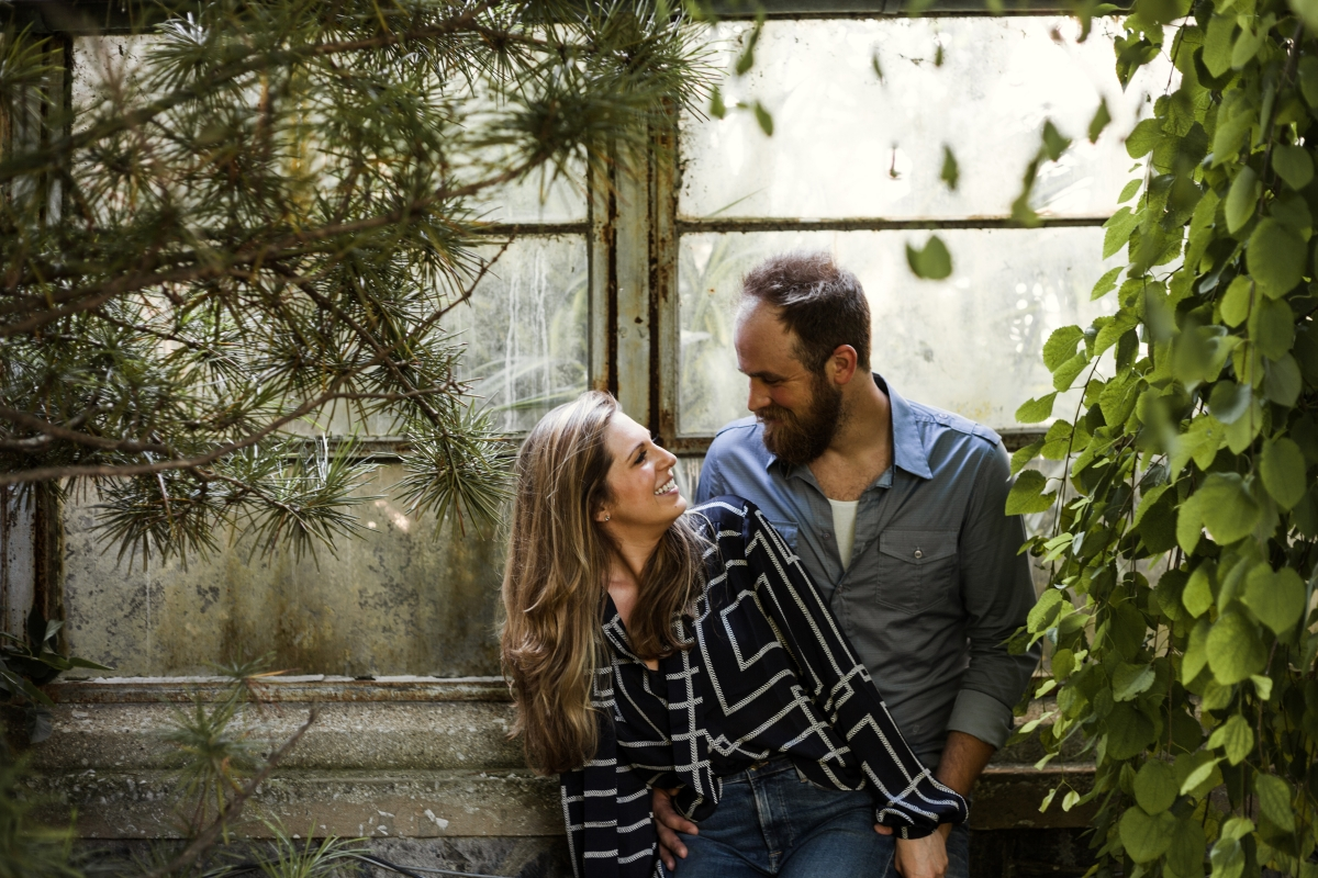 Lincoln Park Conservatory Engagement Session 34