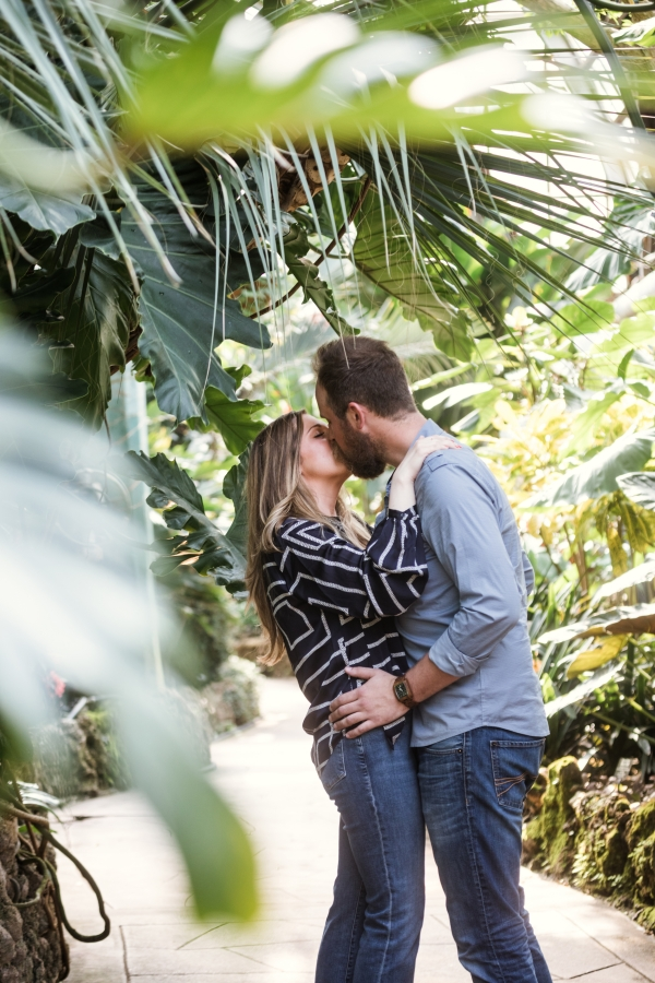 Lincoln Park Conservatory Engagement Session (5)