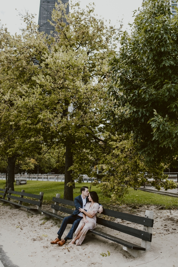 Chicago Lincoln Park Engagement Photos Uriel Photography (18)